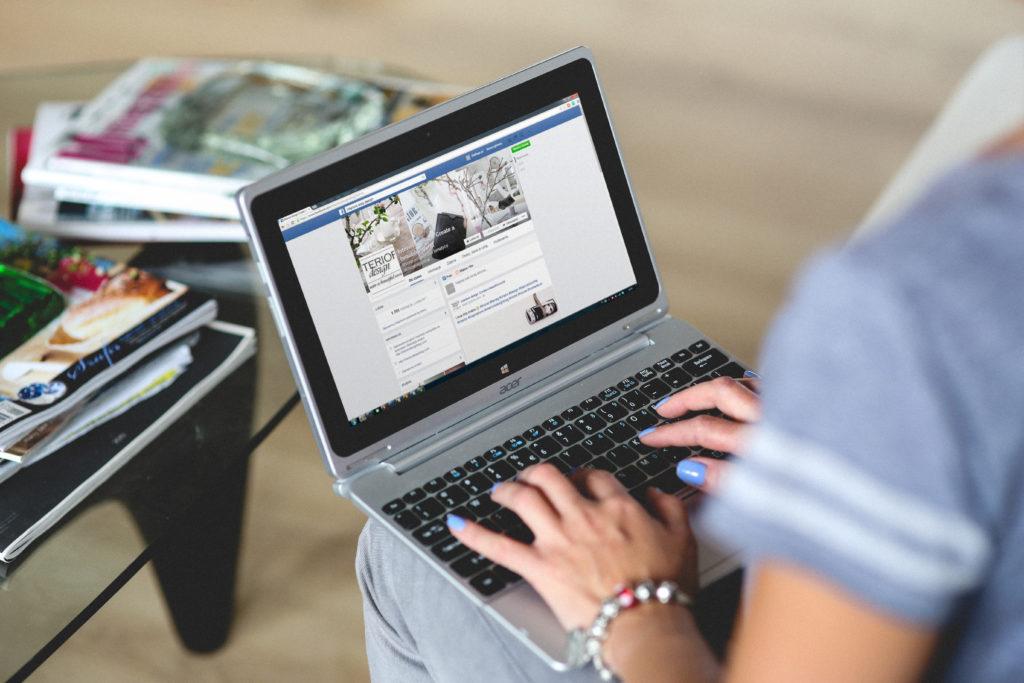 Wirtualna ciężkość bytu czyli jak być obecnym wsocial media iniezwariować